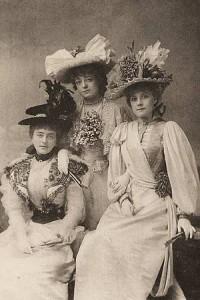 300px-1890_Gaiety_Girls
